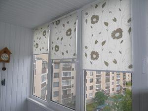 Установка рулонных штор на пластиковые окна в Белгороде